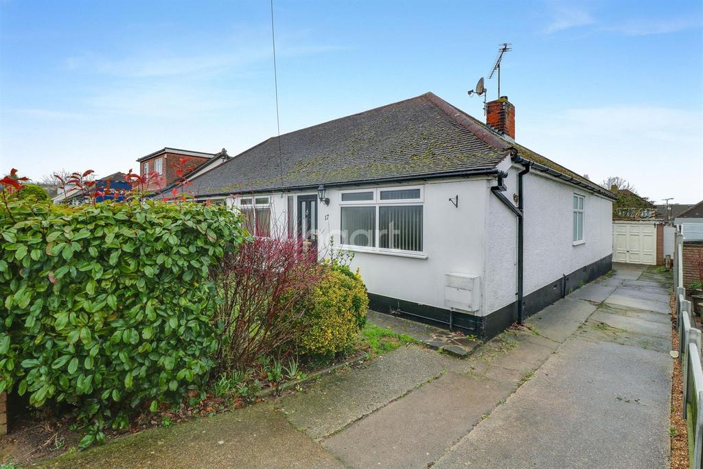 3 Bedrooms Bungalow for sale in Northern Avenue, Benfleet