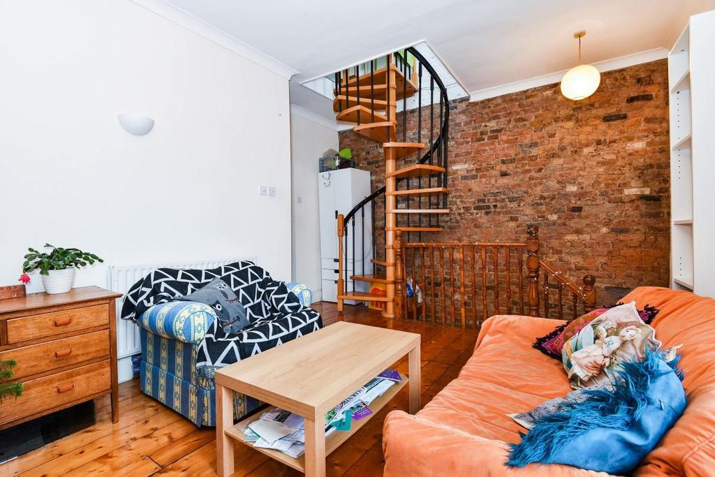 3 Bedrooms Maisonette Flat for sale in Boundary Road, Colliers Wood