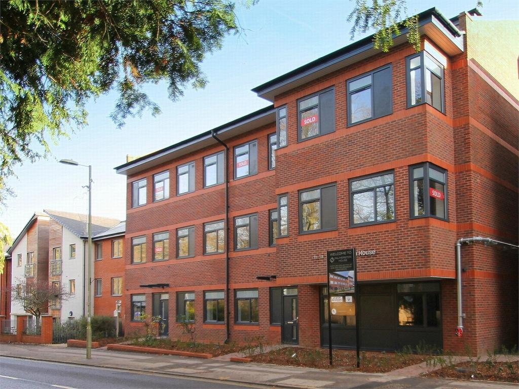 2 Bedrooms Flat for sale in Fleet, Hampshire
