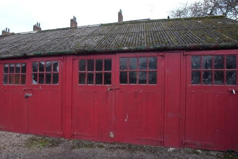 Garage to rent - GARAGE , MANOR DRIVE NORTH, ACOMB, YORK, YO26 5RY