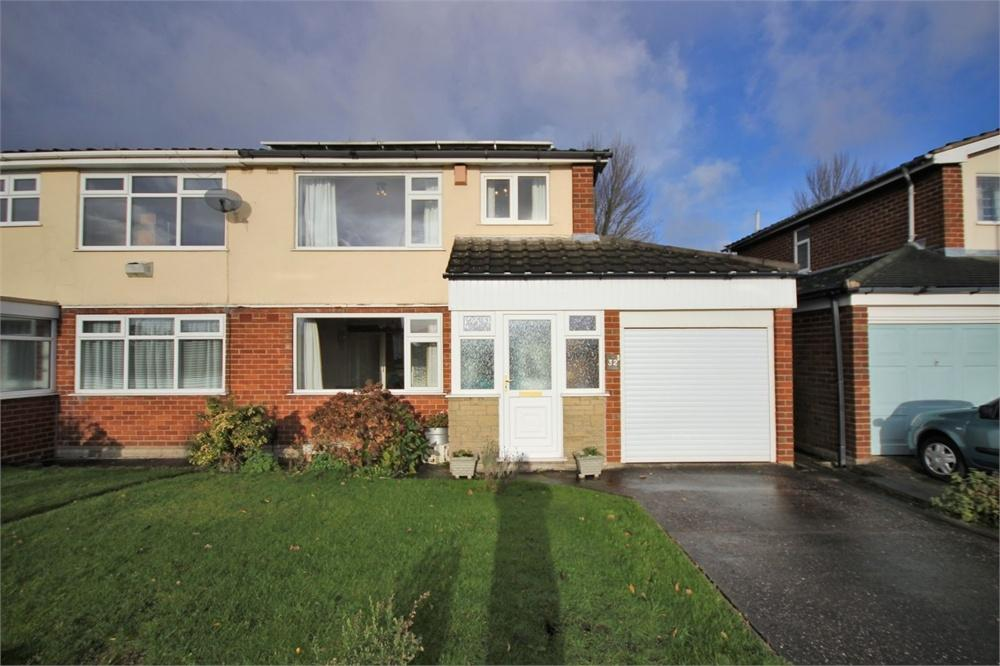 3 Bedrooms Semi Detached House for sale in Tabley Avenue, WIDNES, Cheshire