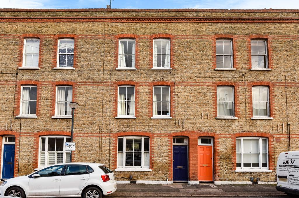 2 Bedrooms Flat for sale in Gibson Street London SE10