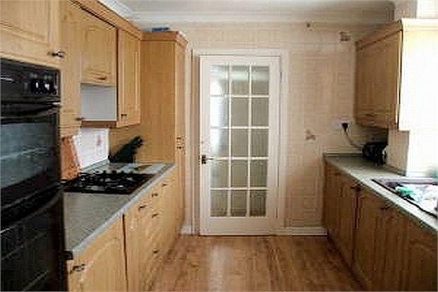 3 Bedrooms Semi Detached House for rent in Cedar Crescent, West Cross, Swansea, SA3 5JZ