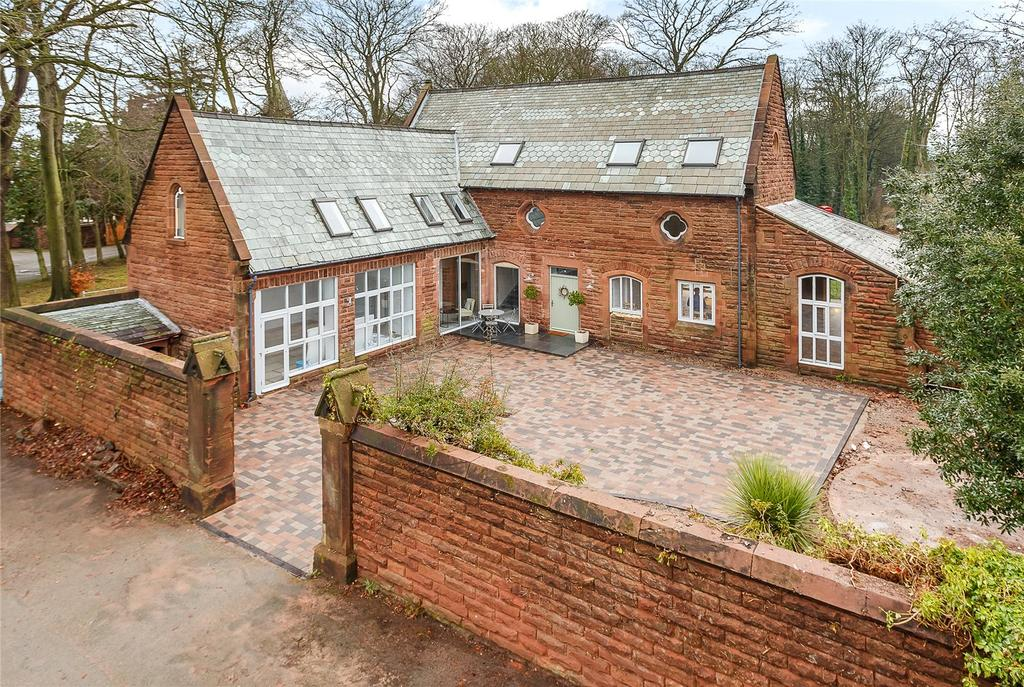 5 Bedrooms Detached House for sale in Hinderton, Neston, CH64