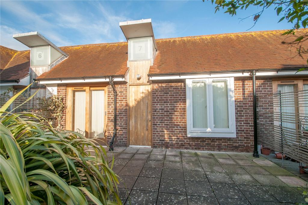 2 Bedrooms Flat for sale in The City Gardens, Iron Barn Lane, Canterbury, CT1