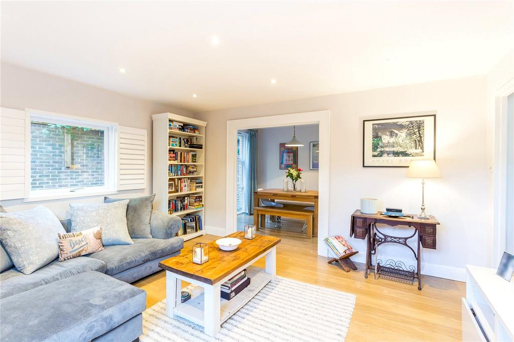 2 Bedrooms Flat for sale in Grand Junction Wharf, Wharf Road, London, N1