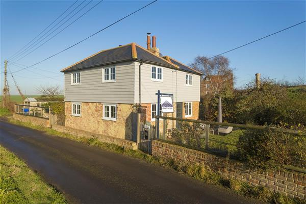 3 Bedrooms Detached House for sale in Elliott Cottage, Luddenham