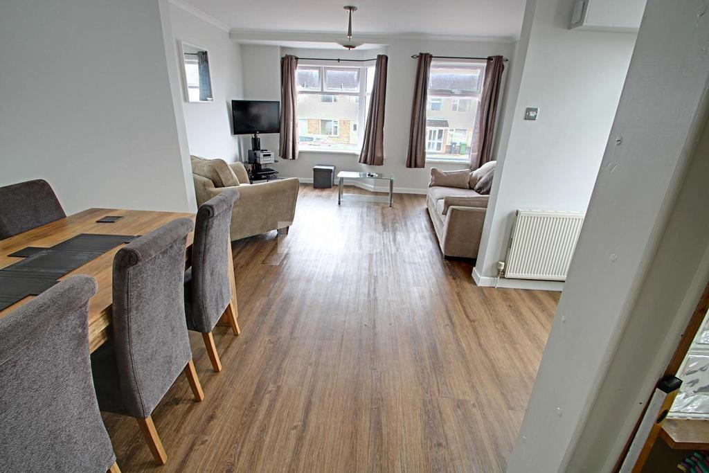 2 Bedrooms Semi Detached House for sale in Brachdy Lane, Rumney, Cardiff