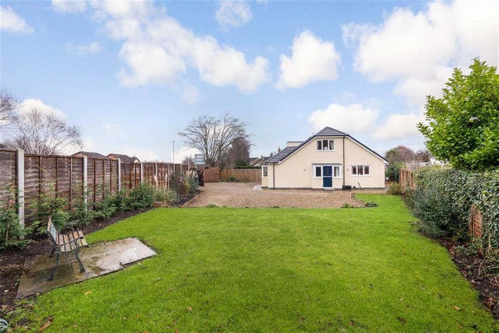 4 Bedrooms Detached Bungalow for sale in York Road, Knaresborough, North Yorkshire