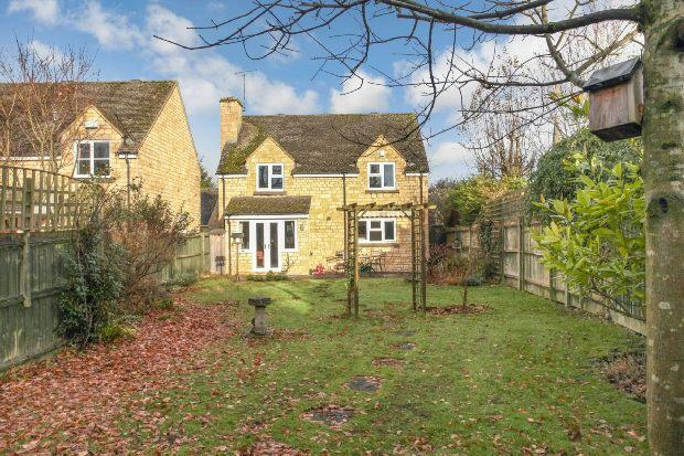 3 Bedrooms Detached House for sale in The Orchards, Church Street, Moreton-in-marsh