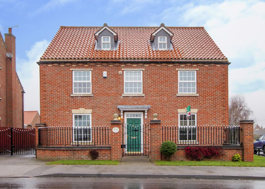 5 Bedrooms Detached House for sale in Great North Road, Barnby Moor, Retford