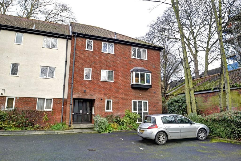 2 Bedrooms Apartment Flat for sale in City Centre, Norwich