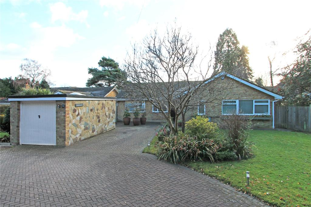 4 Bedrooms Detached Bungalow for sale in East Street, Tonbridge, Kent, TN9