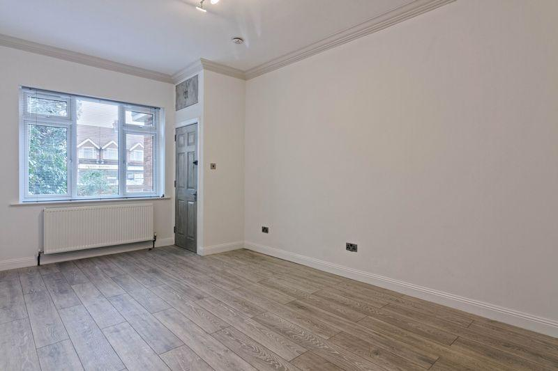 Studio Flat for sale in Broadwater Road, Worthing