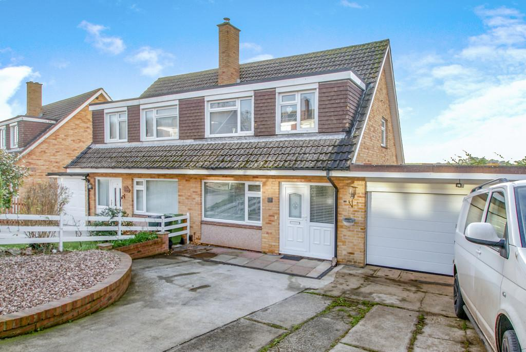 3 Bedrooms Semi Detached House for sale in Bushmead Avenue | Kingskerswell | Newton Abbot