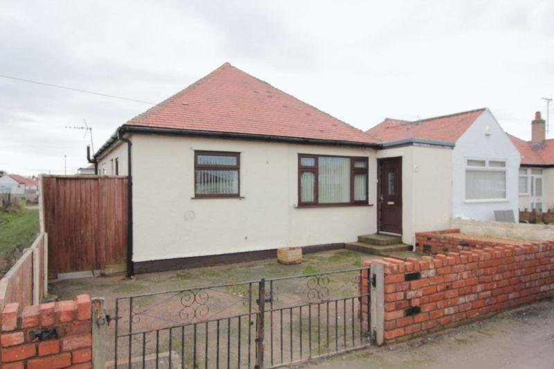 2 Bedrooms Detached Bungalow for sale in Arnold Gardens, Rhyl