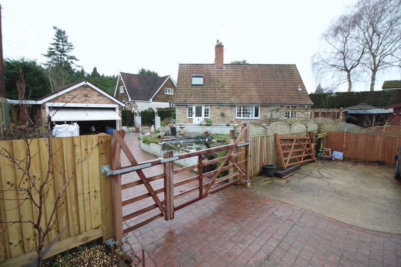 3 Bedrooms Cottage House for sale in Old Langstone Court Road, Langstone, Newport