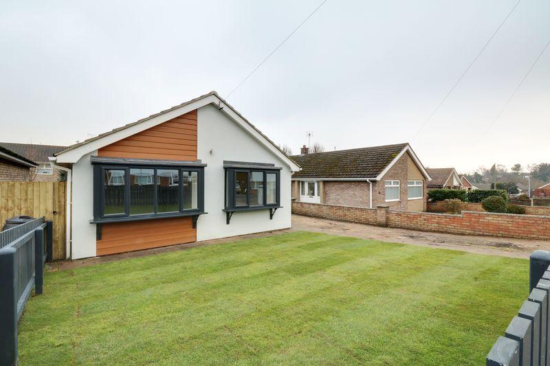3 Bedrooms Detached Bungalow for sale in Windsor Way, Broughton