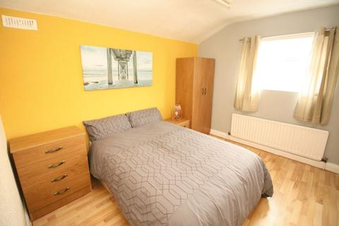 5 bedroom terraced house to rent - Ayresome Street, Middlesbrough