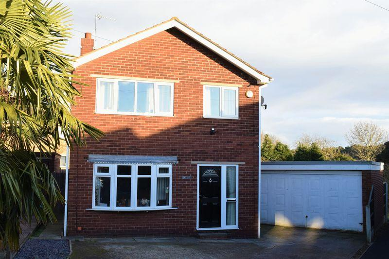 3 Bedrooms Detached House for sale in Town Hill Drive, Brigg