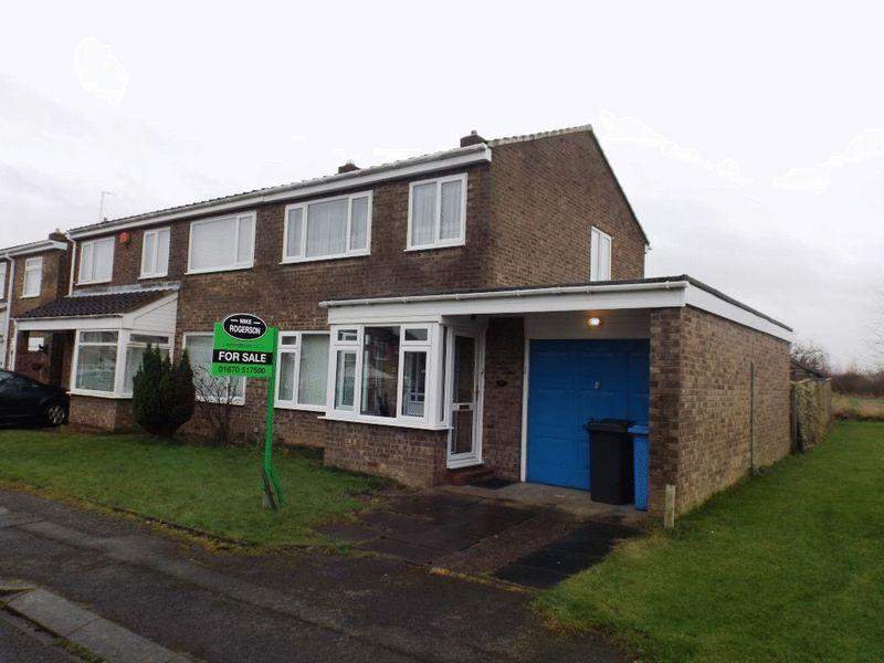 3 Bedrooms Semi Detached House for sale in Chevington Close, Pegswood