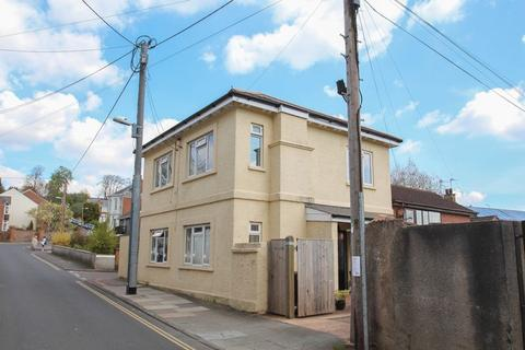 2 bedroom flat to rent - Searle Street, Crediton