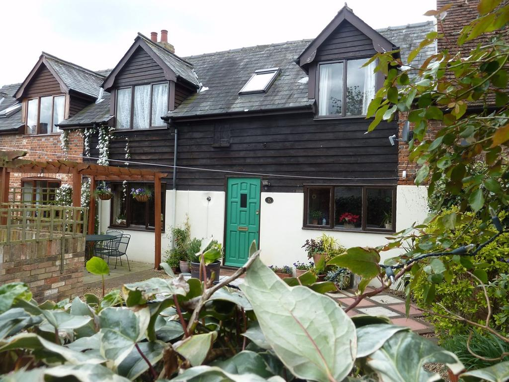 3 Bedrooms Cottage House for rent in The Maltings, SHEFFORD, SG17