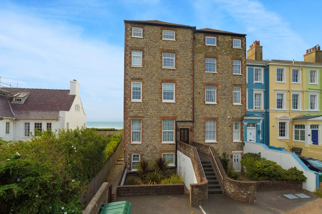 2 Bedrooms Apartment Flat for rent in 58-60 Marine Parade, Hythe, CT21