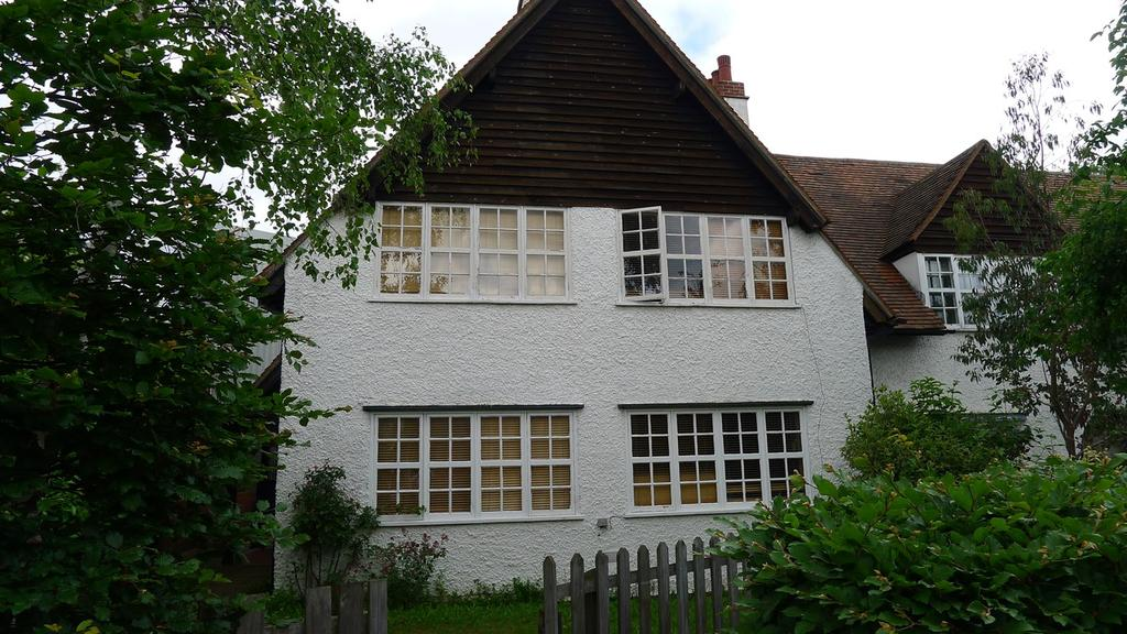 End Of Terrace House for rent in Station Road, Letchworth Garden City, SG6
