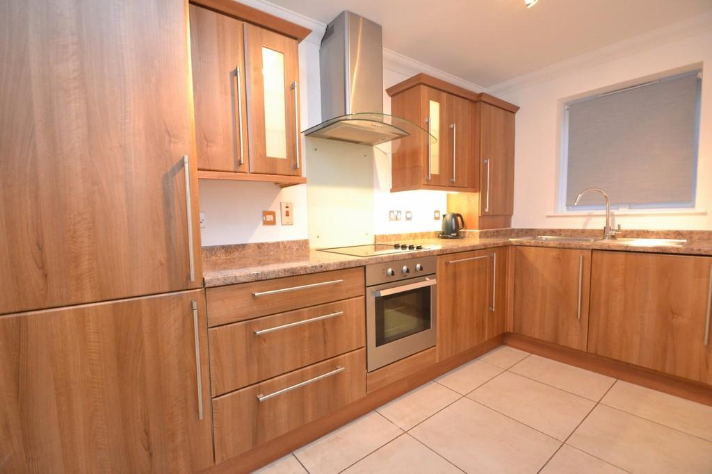 2 Bedrooms Terraced House for sale in Baddow Road, Chelmsford, CM2 9QW