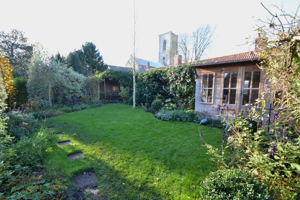2 Bedrooms Terraced House for sale in High Street, Cawston