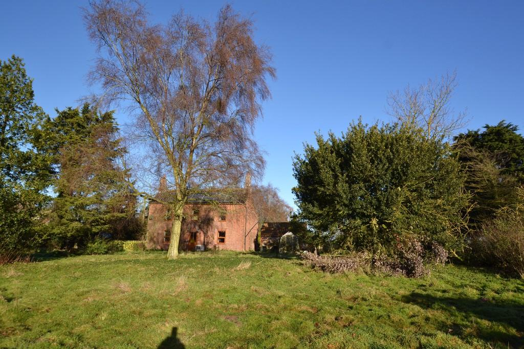 4 Bedrooms Detached House for sale in Guestwick Road, Wood Dalling