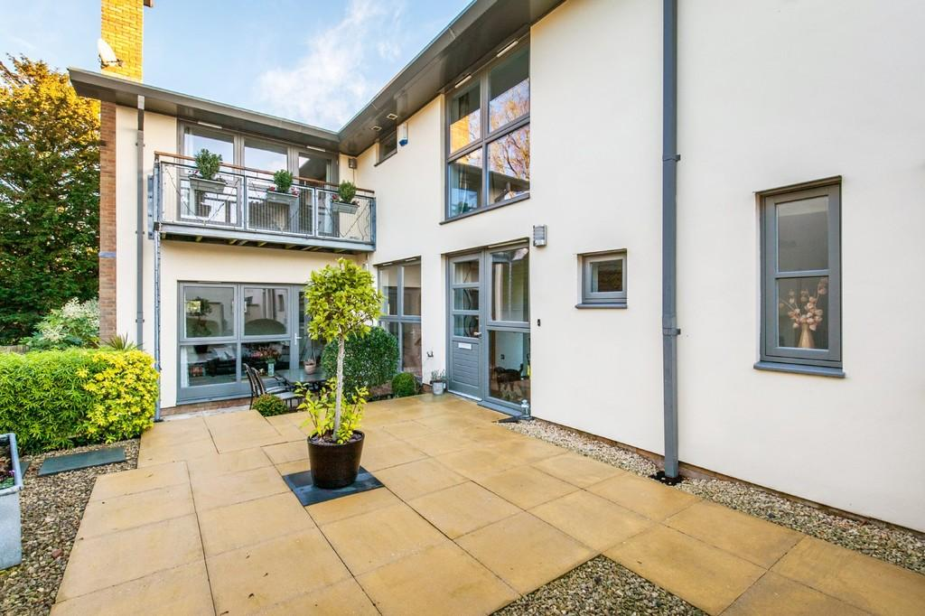 4 Bedrooms Detached House for sale in Hazel Court, Winchester, SO22
