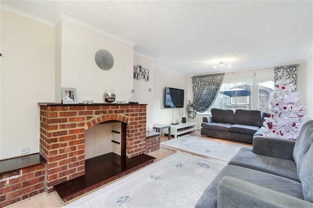4 Bedrooms House for sale in Ada Gardens, Stratford