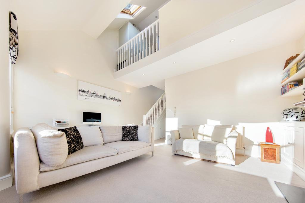 2 Bedrooms Flat for sale in Bronsart Road, London