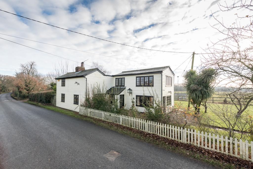 4 Bedrooms Detached House for sale in Althorne