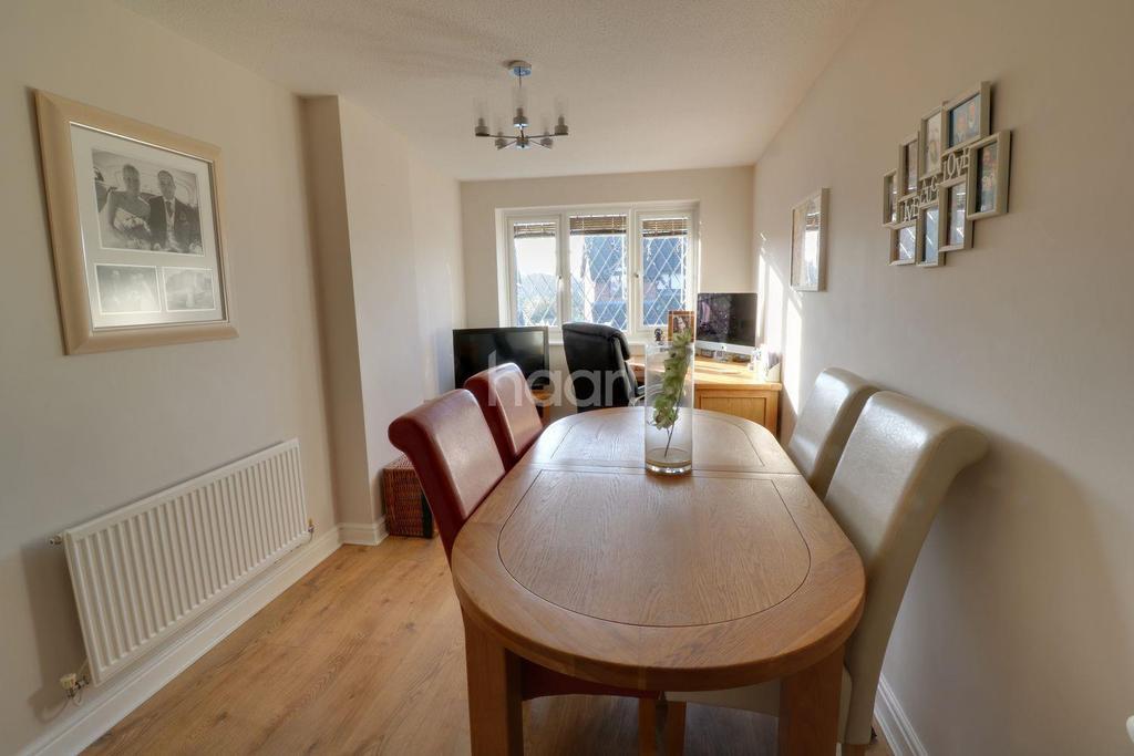 3 Bedrooms Detached House for sale in Deer Park Drive, Arnold, Nottingham