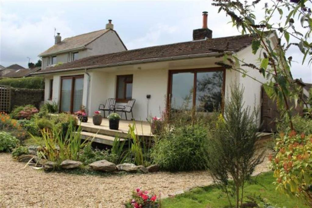 4 Bedrooms Bungalow for sale in Village Cross Road, Loddiswell, Kingsbridge, Devon, TQ7
