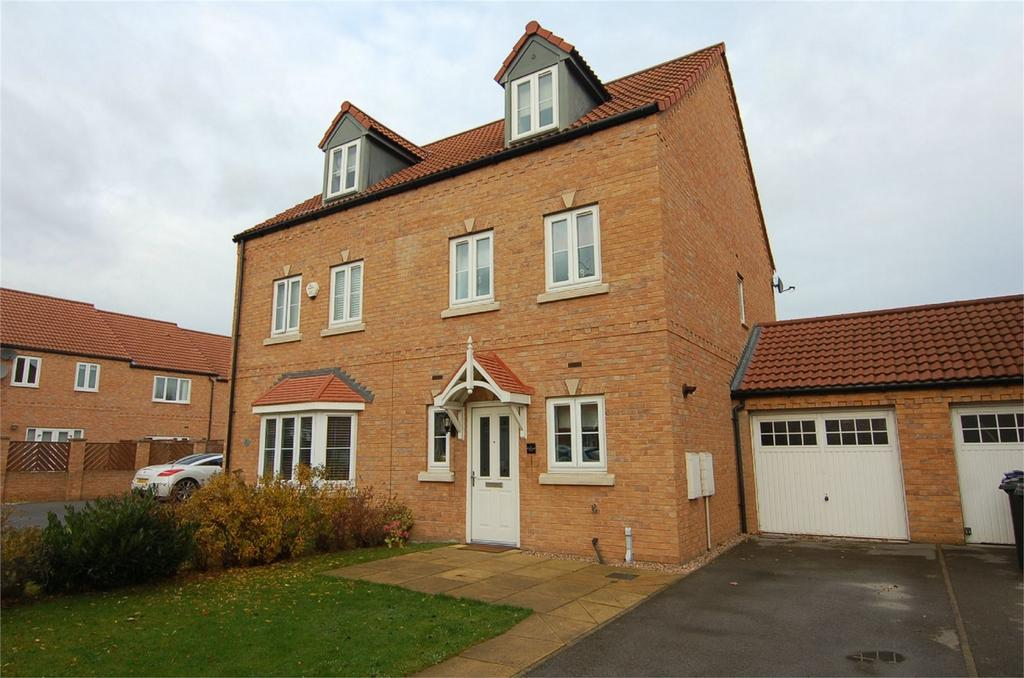 3 Bedrooms Semi Detached House for sale in Marles Close, Wombwell, BARNSLEY, South Yorkshire