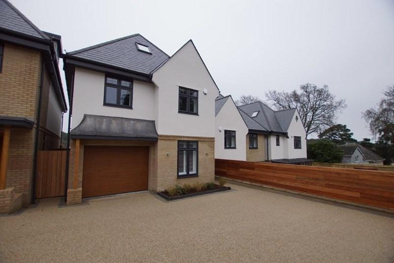 4 Bedrooms Detached House for sale in Sandecotes Road, Lower Parkstone, Poole