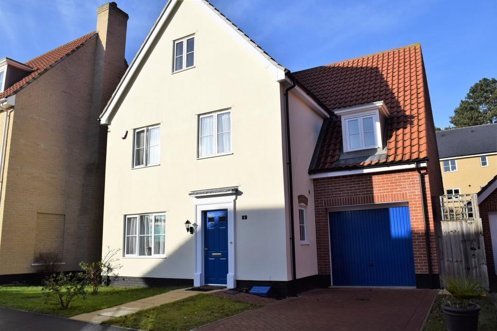 5 Bedrooms Detached House for sale in Trafalgar Way, Thetford
