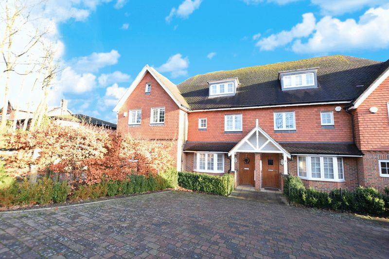 4 Bedrooms House for sale in Abberley Park, Maidstone