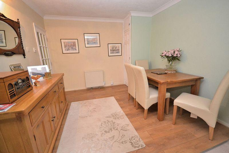 2 Bedrooms Semi Detached Bungalow for sale in Hillview Lane, Great Billington