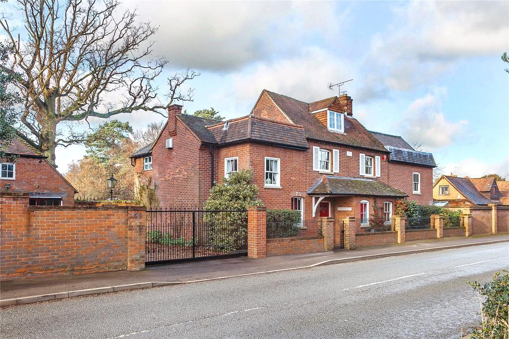 5 Bedrooms Detached House for sale in St. Marks Road, Binfield, Bracknell, Berkshire