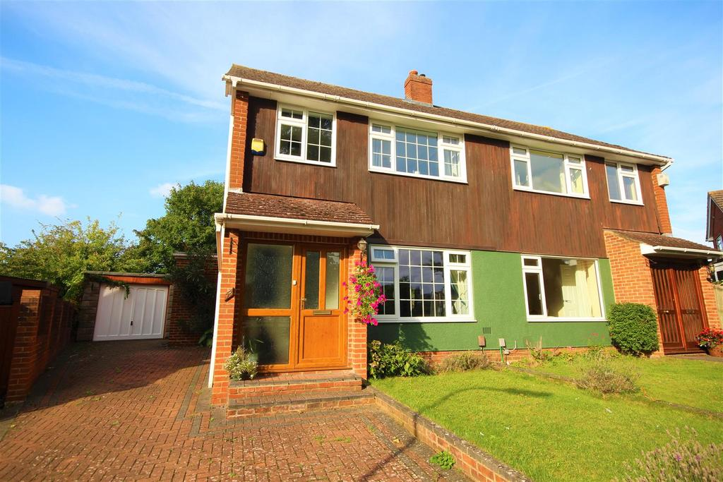 3 Bedrooms Semi Detached House for sale in Hermitage Drive, Reading