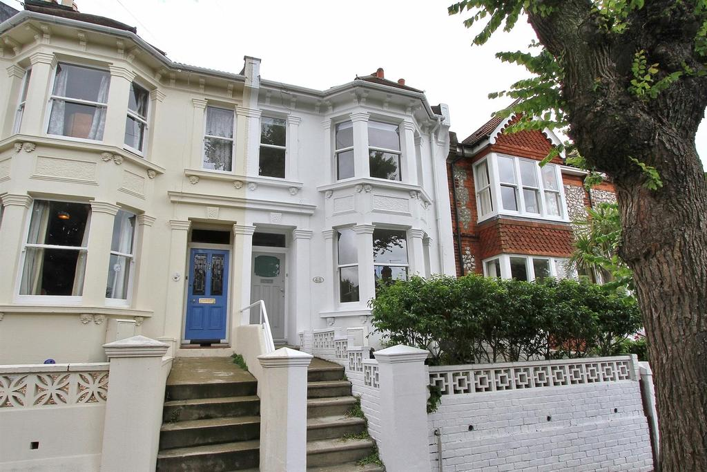 4 Bedrooms House for sale in Southdown Avenue