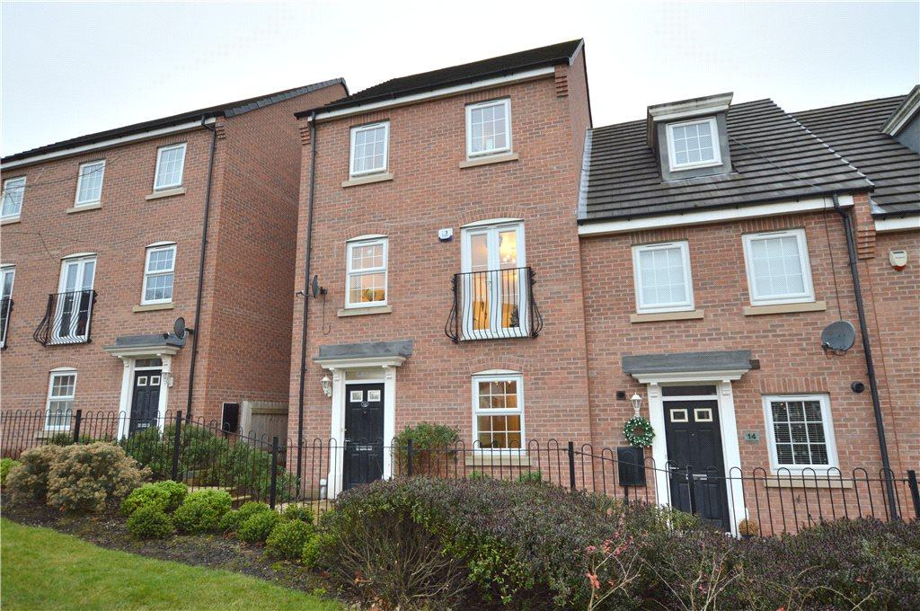 4 Bedrooms Terraced House for sale in William Lane, Pudsey, West Yorkshire