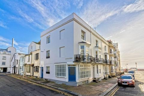 3 bedroom end of terrace house for sale - Western Street, Brighton