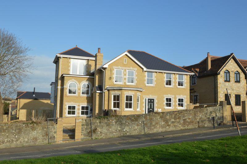 4 Bedrooms Semi Detached House for sale in ELMFIELD, RYDE