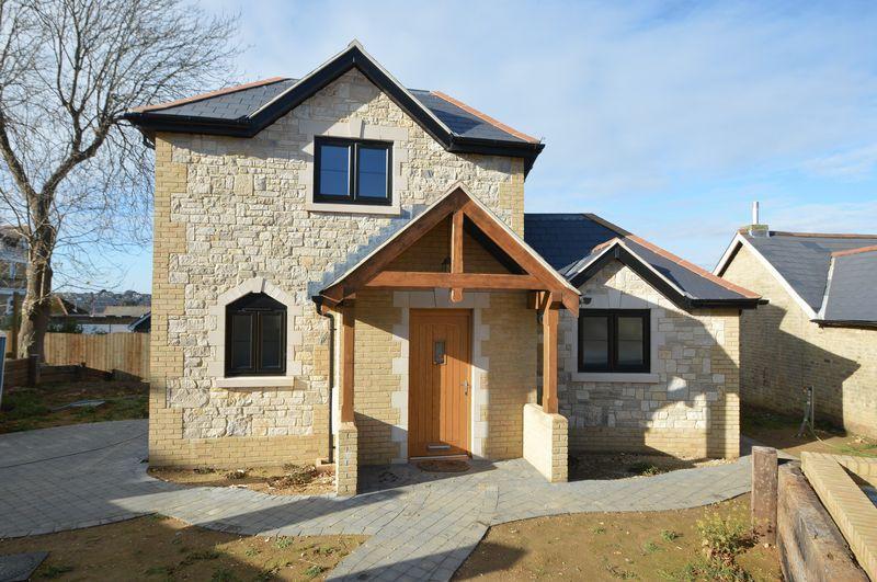 2 Bedrooms Detached House for sale in ELMFIELD, RYDE
